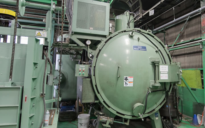 Vacuum thermal treatment (for dies and tools)
