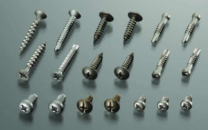 Tapping and drilling screws that have been heat-treated (vacuum heat-treated)