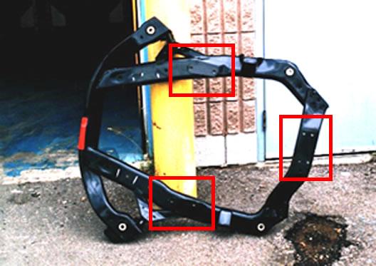 カチオン塗装(電着塗装)やプライマー塗装からねじ山を保護した車体部品