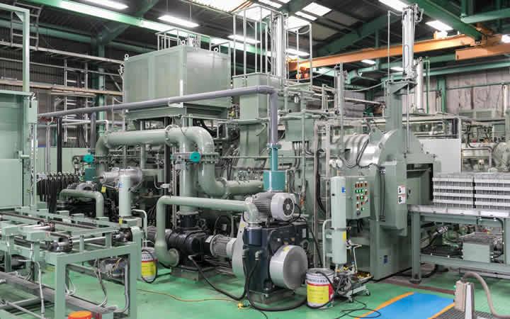 弱電向けのマイクロねじの真空熱処理の設備